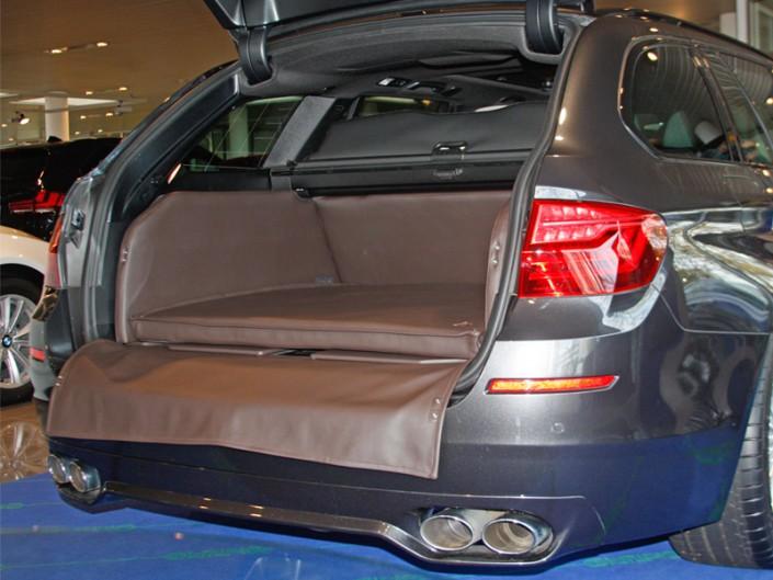 Kofferraum Hund BMW 5er