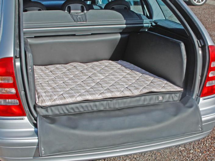 Kofferraum Hund Mercedes-Benz C-Klasse
