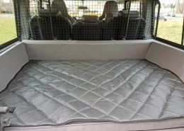 Hundetransport Kofferraum Hund Land Rover Defender Hunderampe lang