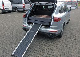 Kofferraumausbau Hund Porsche Cayenne Hunderampe Transport