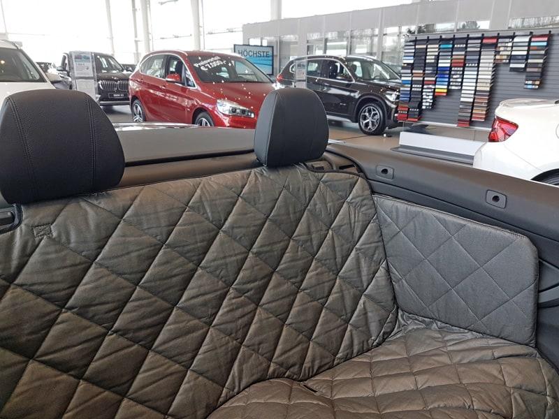 ihr hund wird die r ckbank im auto lieben zauberbett. Black Bedroom Furniture Sets. Home Design Ideas